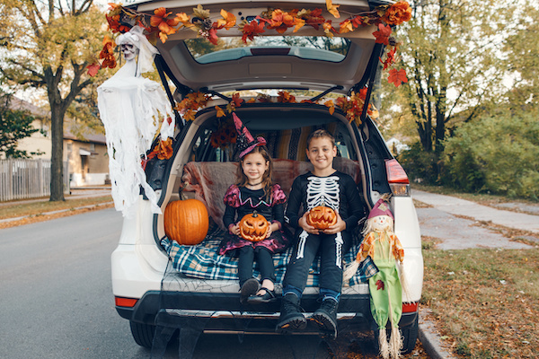 Safe Trick-Or-Treating Etiquette for Parents and Children